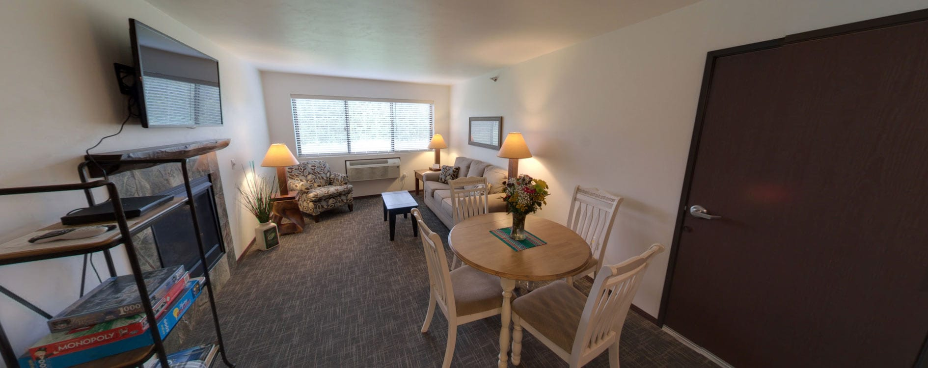 1 Bedroom Suite | Open Hearth Lodge Door County