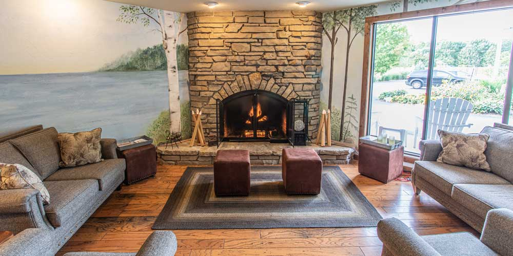 Open Hearth Lodge Sitting Area in Door County